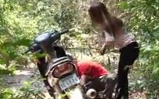 Don't poise a man to help a girl, forest sex