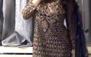 Pakistani girl undresses naked for you