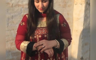 Paki girl Aiman from Islamabad fucking with hubby, leaked vid