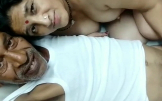 Desi old uncle bonks randi aunty with clear Hindi audio