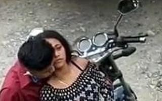 hot Indian girl fucking bf beside public