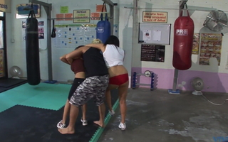 SUNNY LEONE - Indian hottie in boxing ring - 1080p