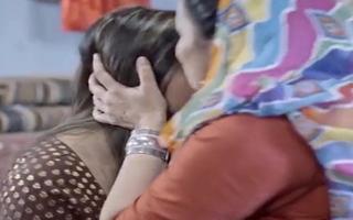 khote wali girlfriend ko bech Diya
