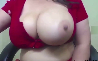 Indian become man in white-hot saree milking the brush jugs on cam