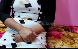 Real Bhabhi Devar First Agonizing Copulation video, Hindi audio