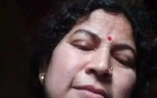 Mature Guwahati Aunty Showing Pussy 1