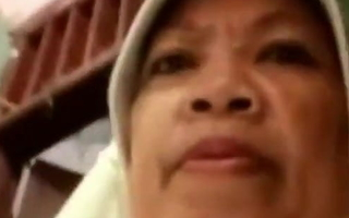 Mak Haji Isnah Kaga Ada Istirahatnya Tong! (Habis Tahajud)