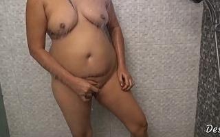 Hot Indian Desi Bhabhi Nude Bathroom Scene