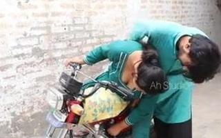 Desi bike ride, woman with a unmitigatedly hot ass