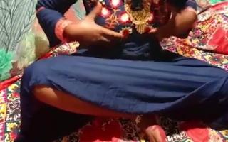 Padosi kaamwali bhabhi ko ghar bulakar kari chudai
