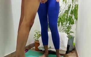 Yoga wali madam ki kari student ne chudai