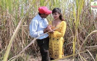 Ganne ke Khet Mein Romantic Adore  Full Gandi Gandi Harkatei