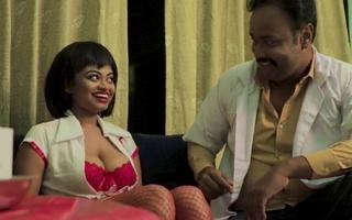Desi nurse Shilpa & doctor Chandu setting up love