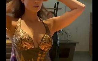 Shweta Tiwari Hot Cleavage Show for Mummy lovers