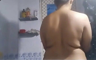 Tamil mami showing herself showering to foreigner