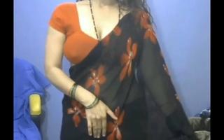 Desi Aunty Live Cam Show