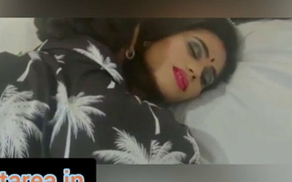 sexy Indian bhabhi has rough sex with respect to postman