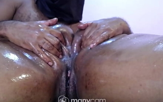 South Indian aunty with a big arse get fingered hard by a maligning