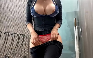 Indian MILF With Consequential Tits Exhibitionism Perfect Body On Their way Patio concerning Strangers