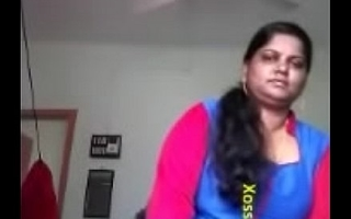 Sexy Mallu Bhabhi Showing Her Big Boobs and Love tunnel To Lover