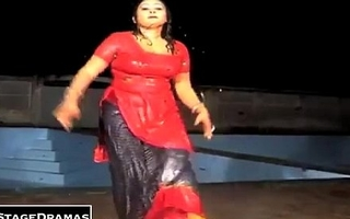 new spew mujra salwar utar rahi hai