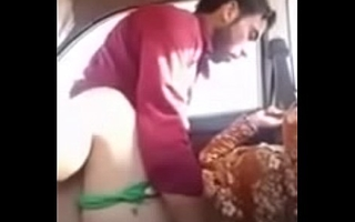 Desi Bhabhi cheating in Car with youthful caught pakistani aunt