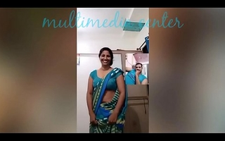 Hot Desi aunty saree navel bill