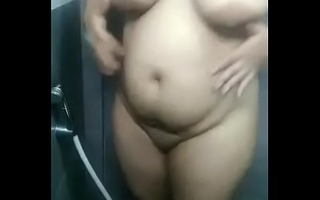 Desi sexy aunty in have a bowel movement