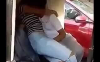 Indian Couples doing sex and kiss yon Riksha