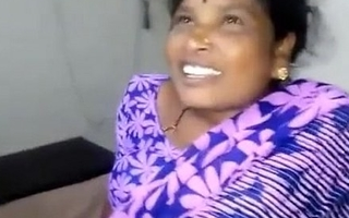 devi telugu aunty sucking skipper cock for money