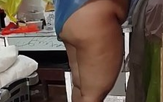 Plumper Indian Materfamilias gets filled about on every side fuck son-in-law