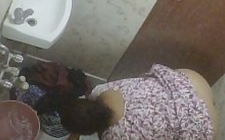 BBW Mature Indian Milf Rina Washing Relative to Bathroom