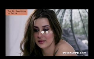 Kareena Kapoor having it away broad far the beam horseshit